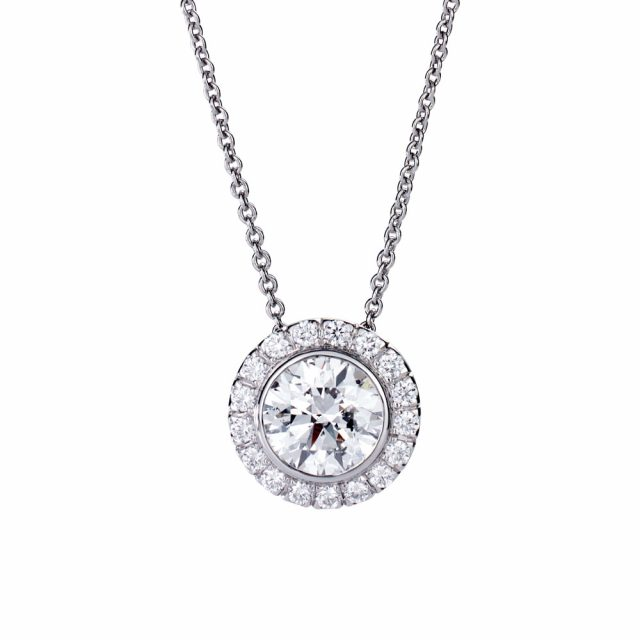 b02983a9e Exclusive collection pendant in platinum with round white diamonds ...