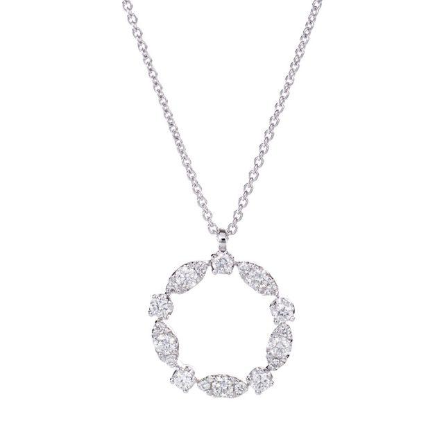 Kransformet anheng i hvitt gull med diamanter