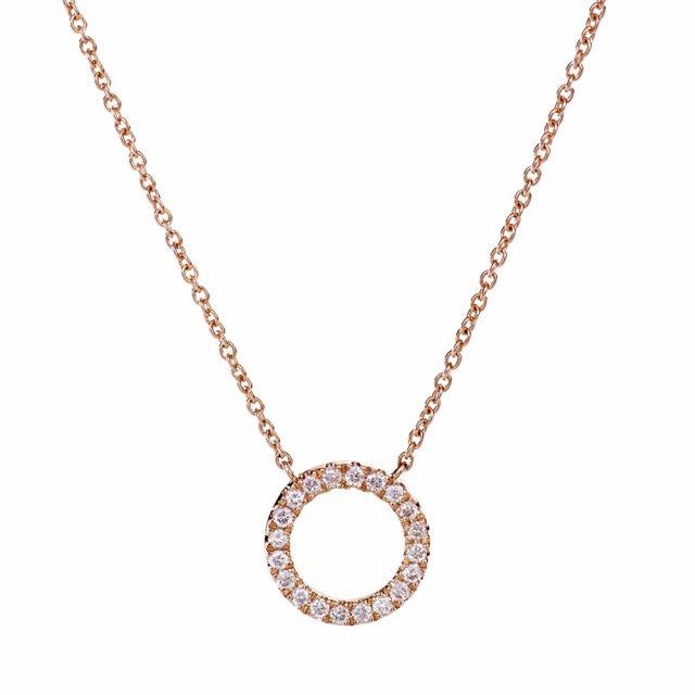 Rundt lite anheng i roségull fattet med diamanter