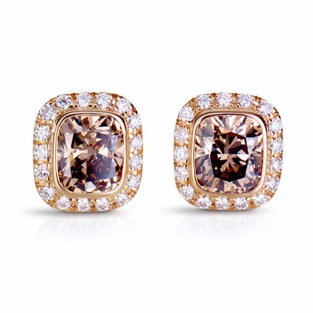 Cushion-slipt exclusive ørepynt med champagnefargede diamanter