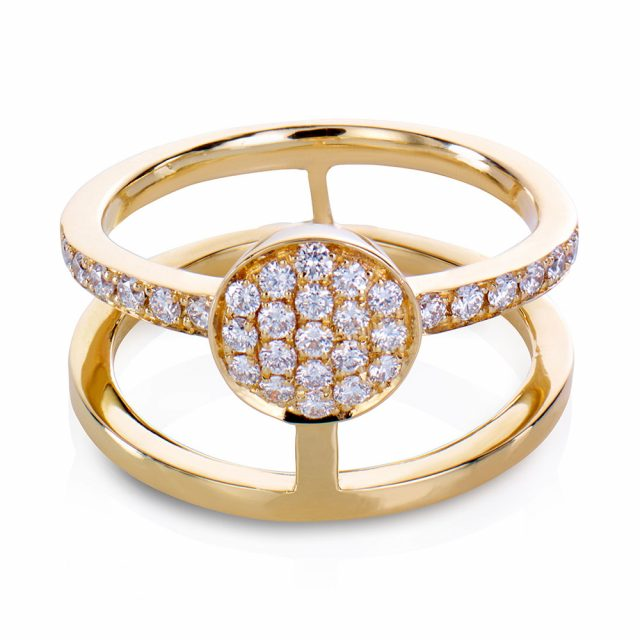 Circle ring i gult gull med diamanter
