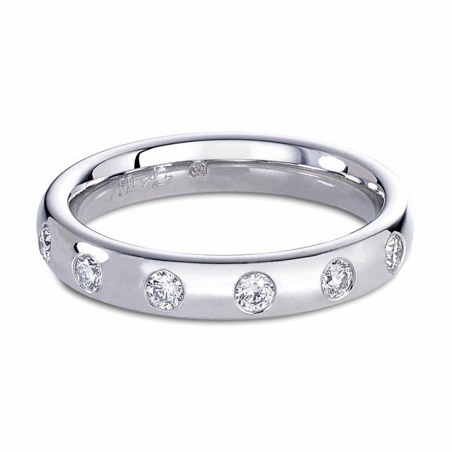 Diamantring i hvitt gull med 6 diamanter