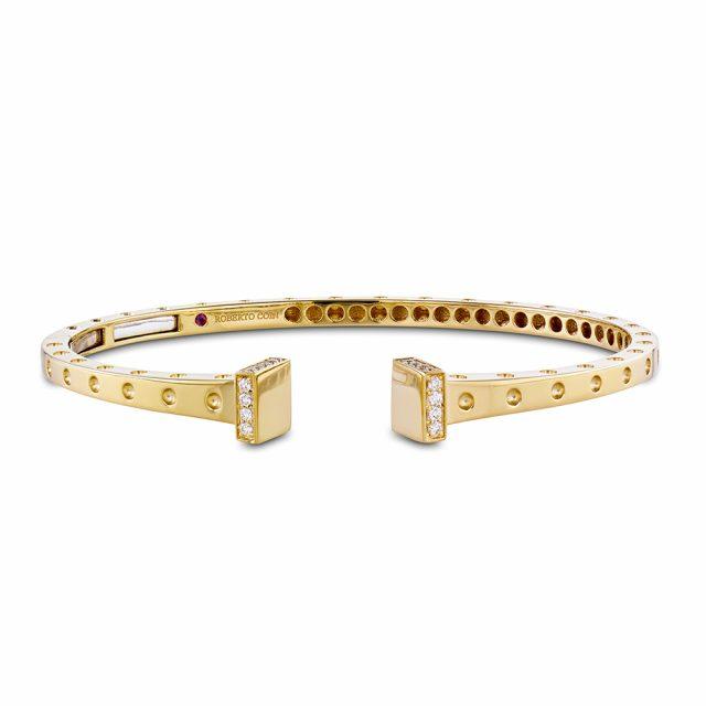 Pois Moi armring i gult gull med diamanter rundt hodet