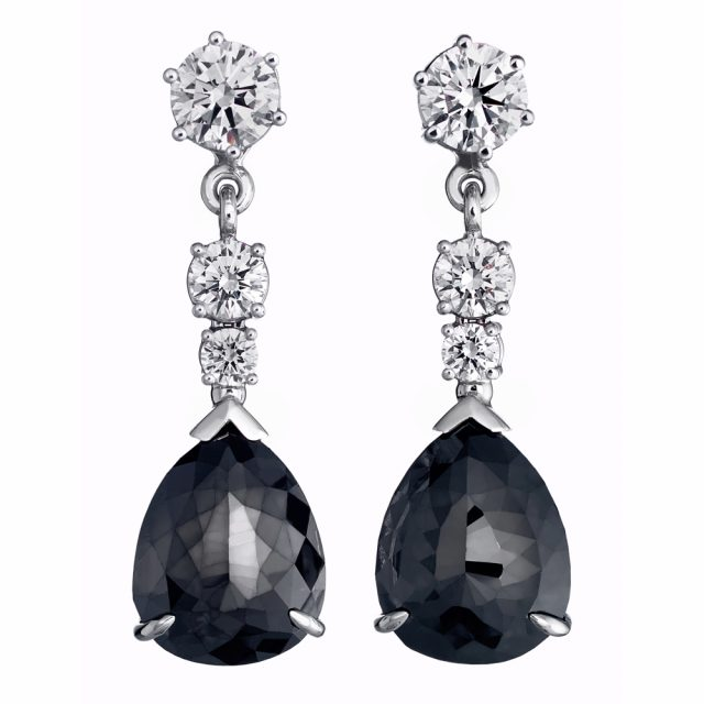 Add-on earrings in white gold with black and white diamonds