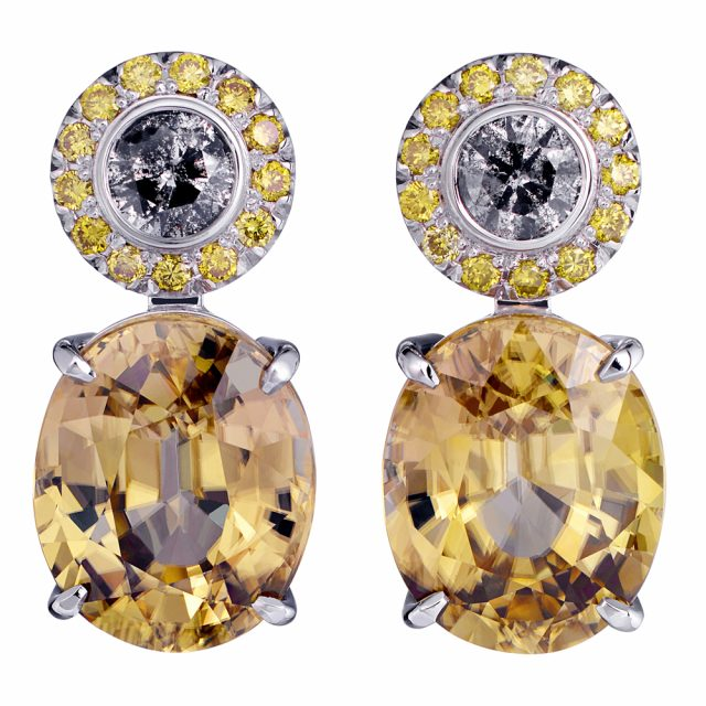 Earrings in white gold with zircon, yellow and grey diamonds