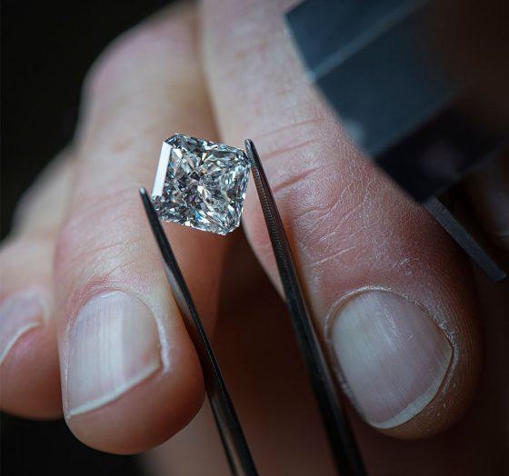 Diamant i korntang