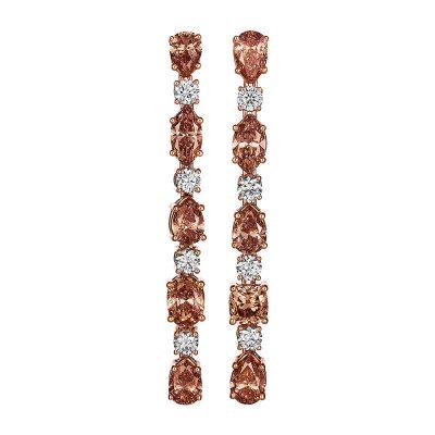 Ørepynt med chanpagnefargede og hvite diamanter
