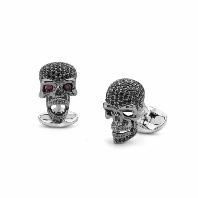 Hodeskalle mansjettknapper i sølv med sort spinell og rubin øyne