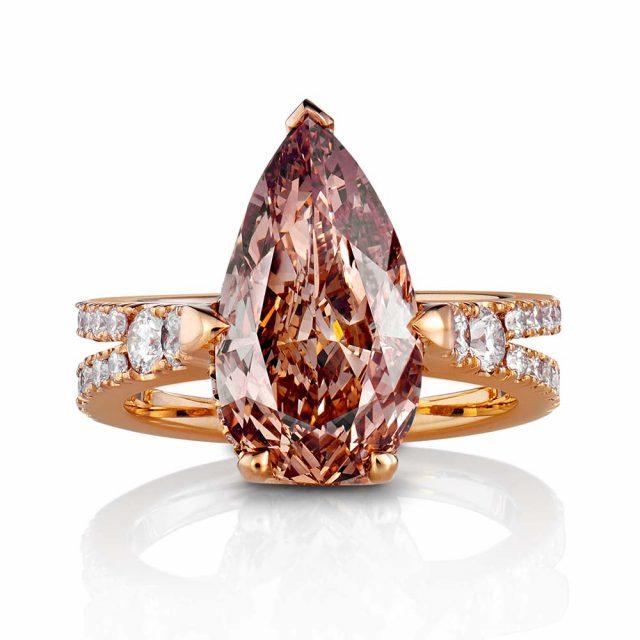 Diamantring i roségull med dråpeformet champagnefarget diamant