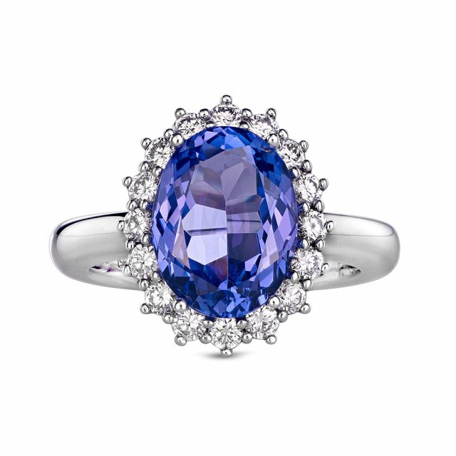 Ring in white gold with tanzanite and diamonds