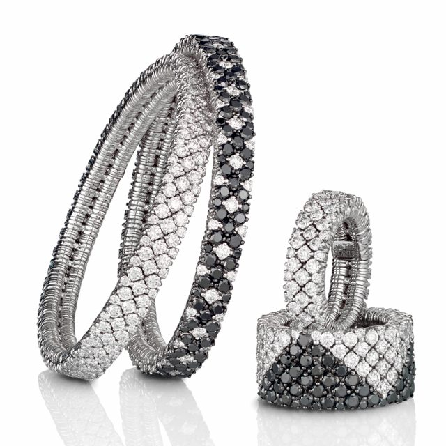 Cashmere bracelet and rings with white and black diamonds