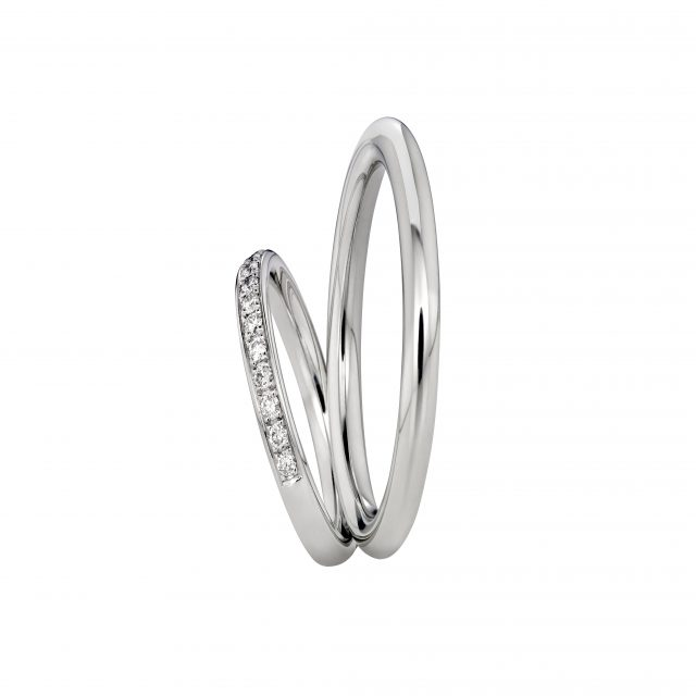 Wedding bands in platinum and white gold with diamonds